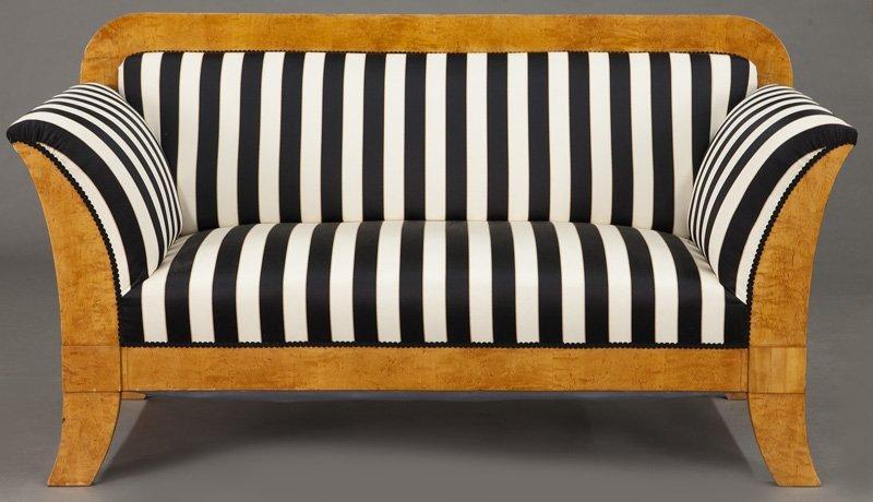 Austrian Biedermeier birch frame sofa, - 2