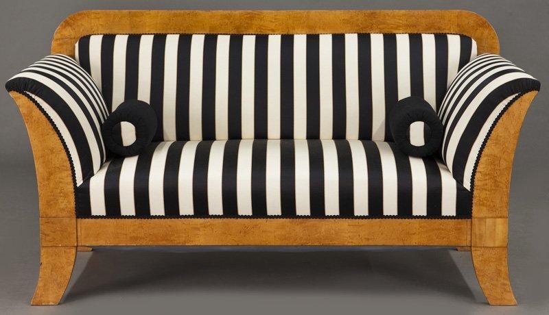Austrian Biedermeier birch frame sofa, - 3