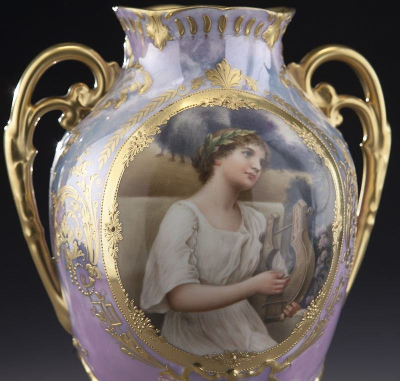 Royal Vienna lidded portrait urn with an - 6