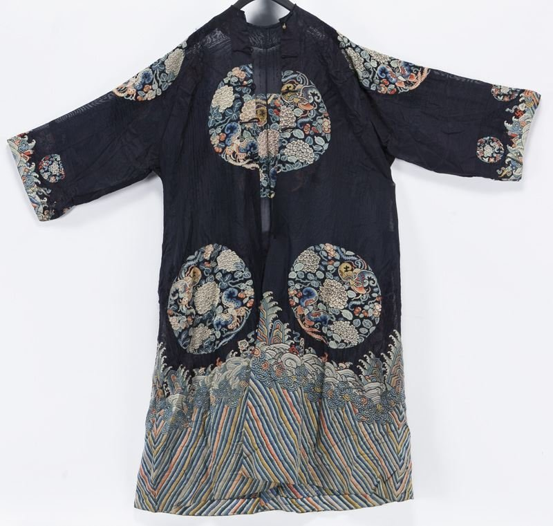 Chinese Qing embroidered robe