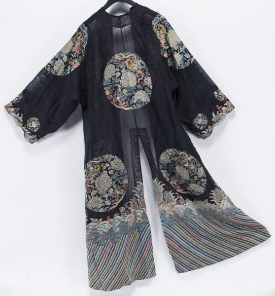 Chinese Qing embroidered robe - 3