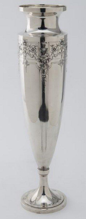 Barbour Silver Co. & Intl. sterling silver vase, - 3
