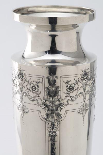 Barbour Silver Co. & Intl. sterling silver vase, - 4