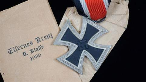 WWII German Iron Cross 2nd Class Medal & Issue Envelope