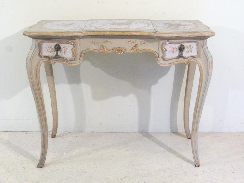 French Painted Vanity / Poudruse