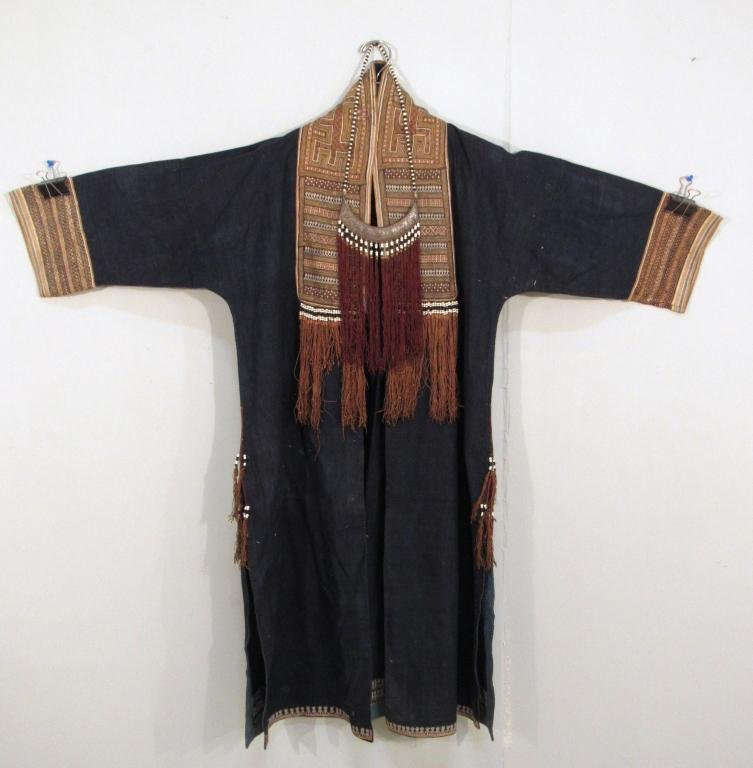 Middle Eastern Ethnic Robe / Tunic and Necklace