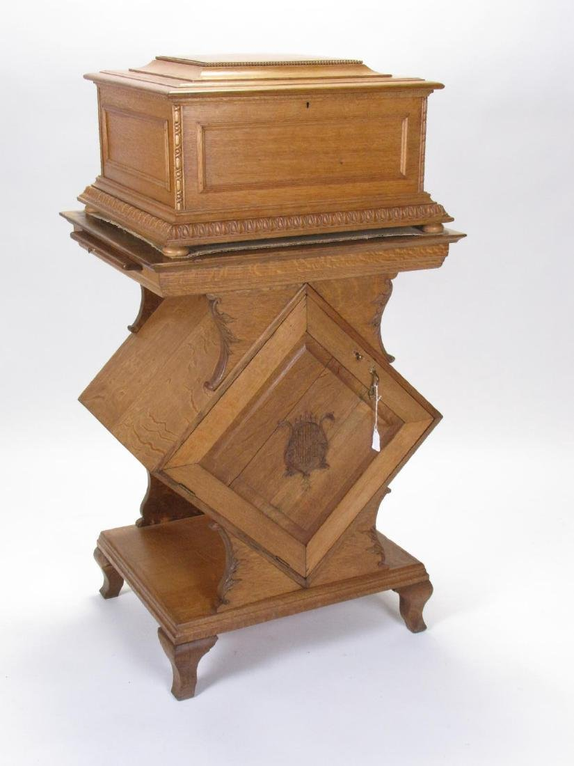 Antique Orchestral Regina with Oak Stand, Discs