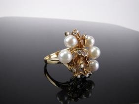 18k Cultured Pearl And Diamond Fashion Ring
