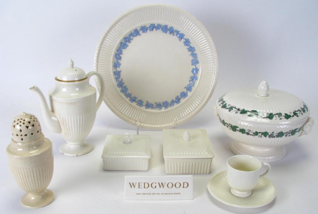 & Collection of Wedgwood u0027Edmeu0027 Queensware