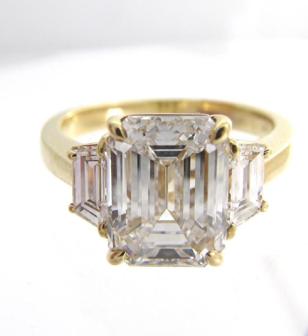 Beautiful 18K Yellow Gold Emerald Cut Diamond Ring - 2