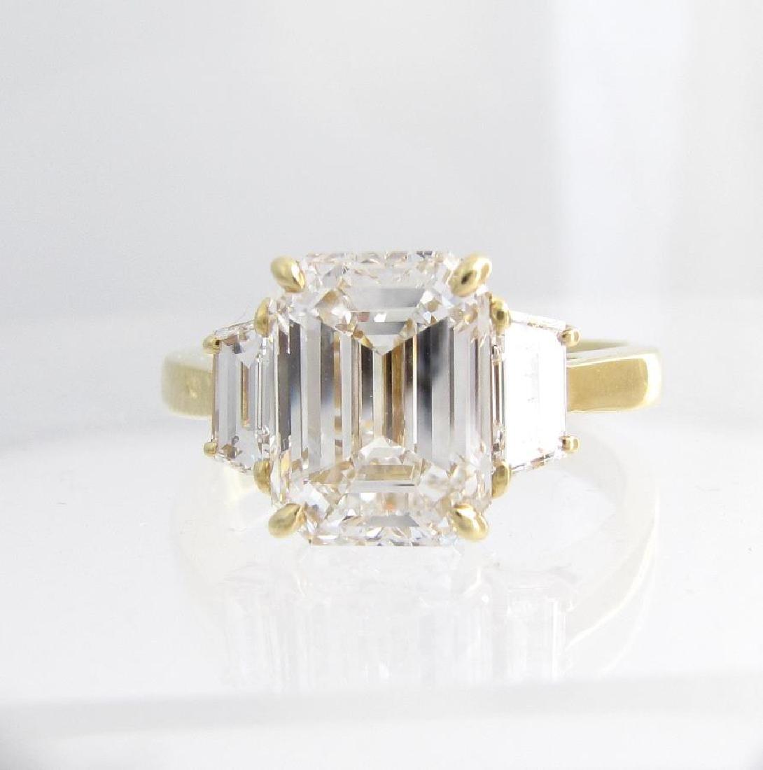 Beautiful 18K Yellow Gold Emerald Cut Diamond Ring - 3