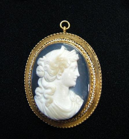 2: Antique Cameo Pin/Pendant
