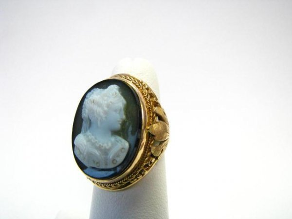 11: Vintage Cameo Ring