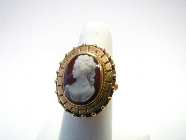 12: Antique Carved Shell Cameo Yellow Gold Ring