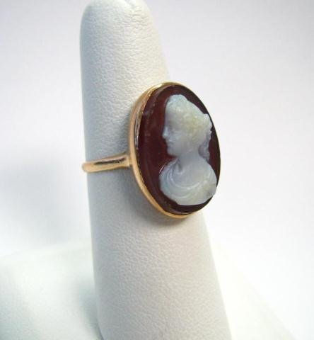 14: Antique Carved Shell Cameo Yellow Gold Ring