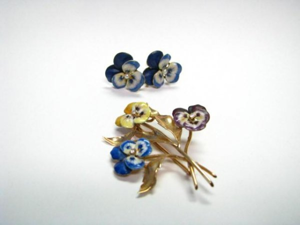 23: 14K Yellow Gold Enamel Earrings and Pin