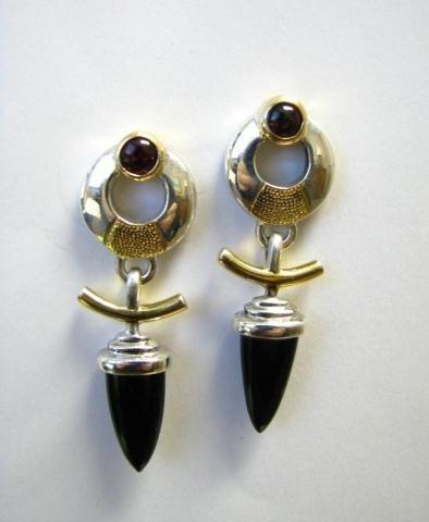 522: Designer Onyx and Garnet Earrings