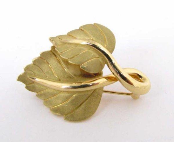 504: 18K Yellow Gold Tiffany Leaf Pin