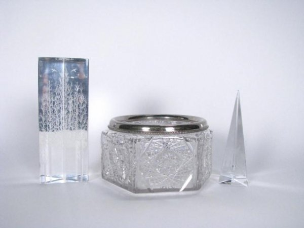 207: Crystal and Cut Glass Decorator Items