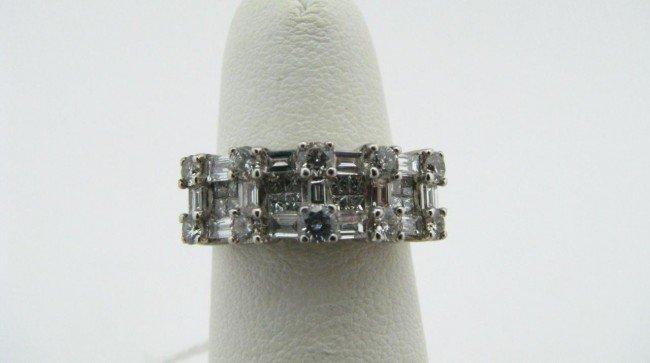 16: 18K White Gold Diamond Ring
