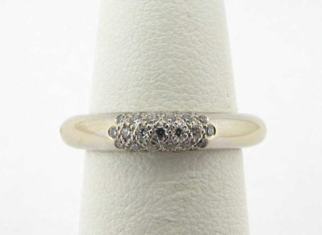 421: 18K White Gold Tiffany Ring