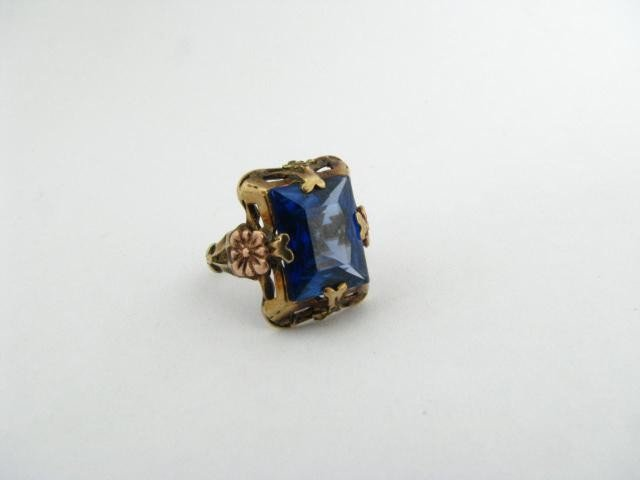 313: 10K Rose and Yellow Gold Antique Ring