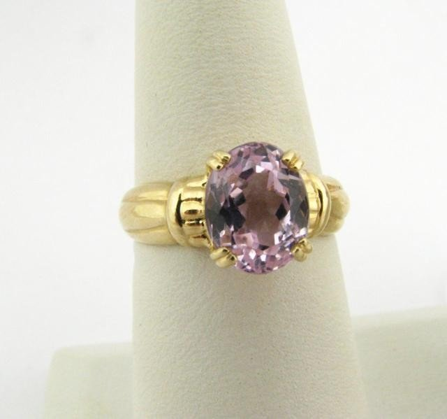 315: 14K Yellow Gold Oval Pink Ice Ring