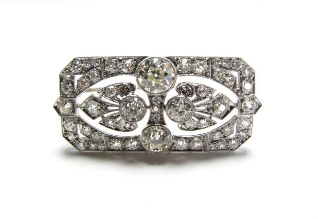659: Antique Art Deco Brooch, Platinum, 5.5cts Diamonds
