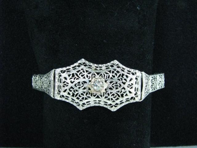 660: 14K White Gold Diamond Filigree Bracelet