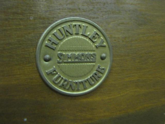 877: Pair of Vintage Huntley Simmons Twin Beds - 3
