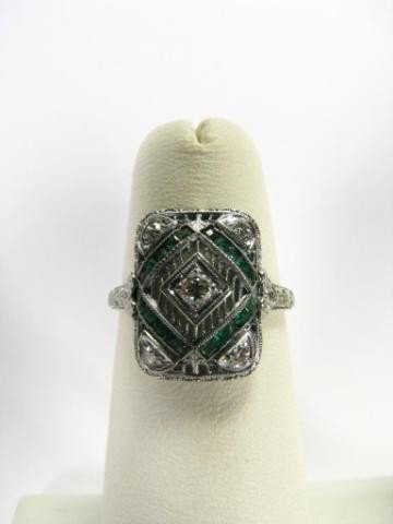 412: Antique Filigree 18K Diamond and Emerald Ring