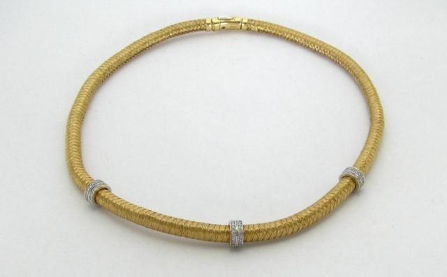9A: Roberto Coin 18K Yellow Gold Diamond Necklace