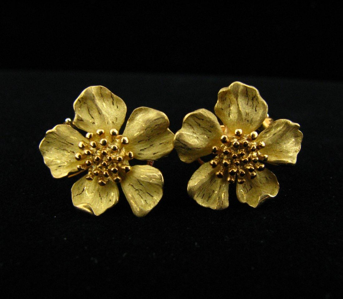 1A: Pair of 18K Yellow Gold Tiffany Flower Earrings
