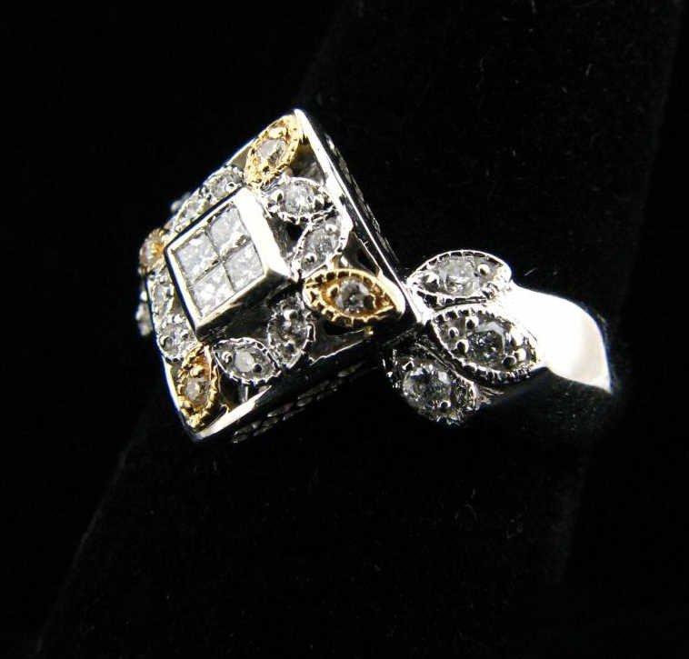 4: 14K Two Tone Diamond Ring