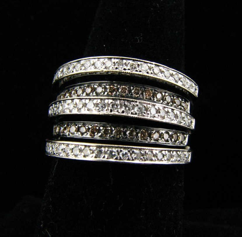 5: 18K White Gold Levian Diamond Fashion Band