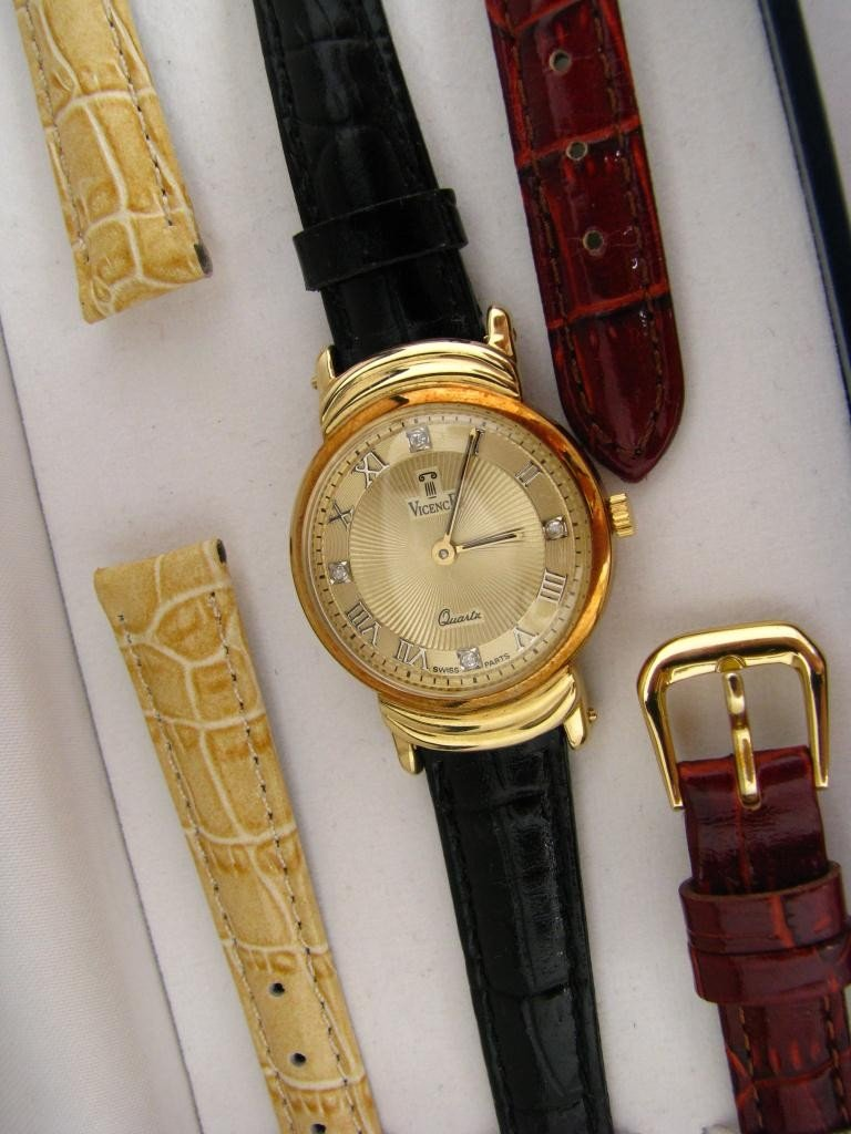 15: 14K Yellow Gold Lady's Vicence Watch
