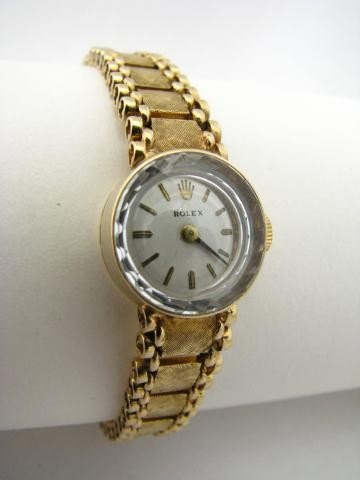 19: Vintage 14K Yellow Gold Lady's Rolex Watch