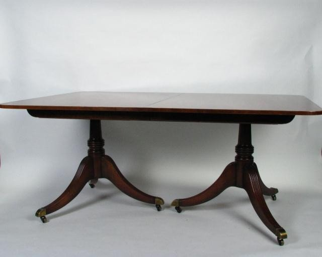 283: Vintage Baker Dining Room Table & Chairs