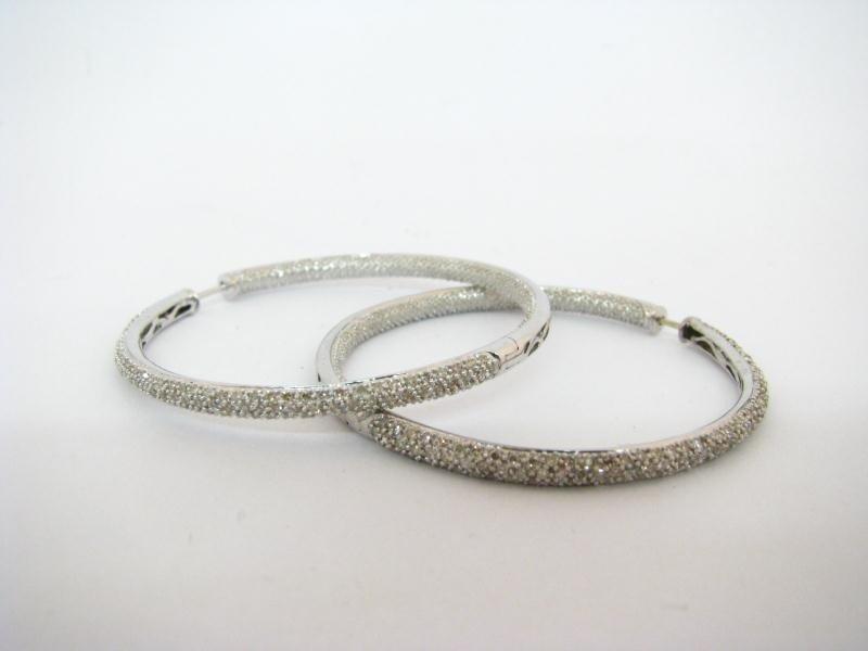 600: Lady's 14K White Gold Diamond Hoop Earrings