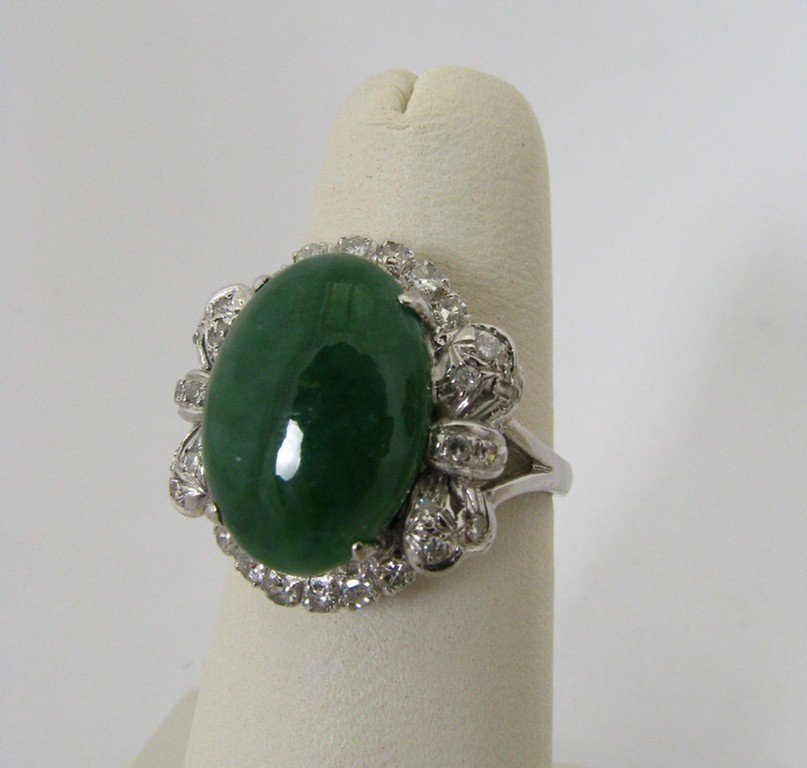 510D: 14K White Gold Lady's Cabachon Jade and Diamond R