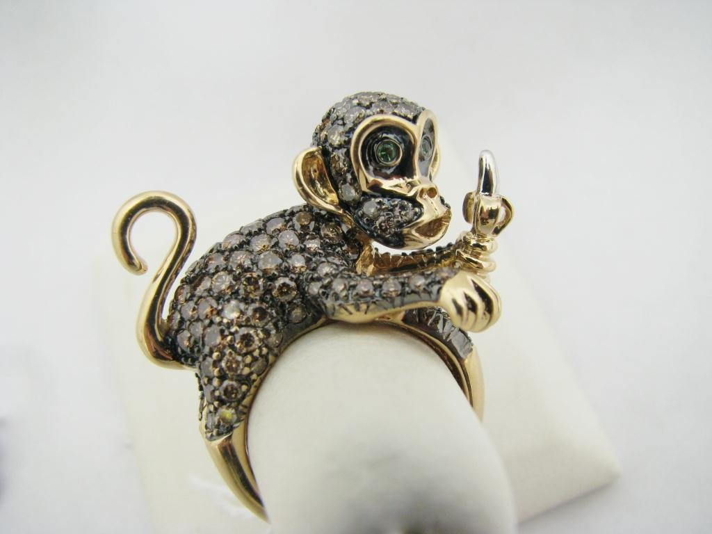 117: Lady's 14K YG Unusual Monkey Motif Fashion Ring