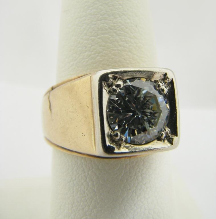 400: Gents 14K YG Ring with 1.85ct Round Diamond