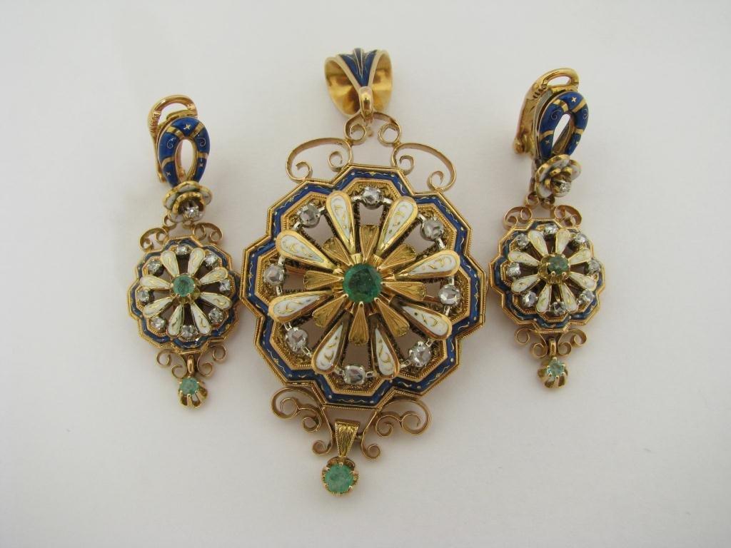 419: 18K YG Earrings & Pendant En Suite, Emeralds, Diam