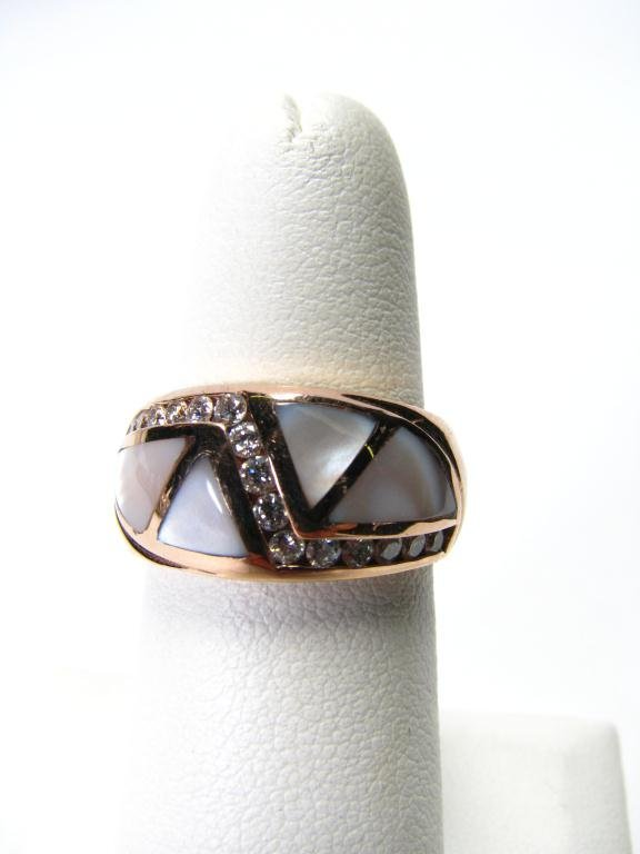 505: Lady's 14k YG Ring with Inlaid Mother of Pearl