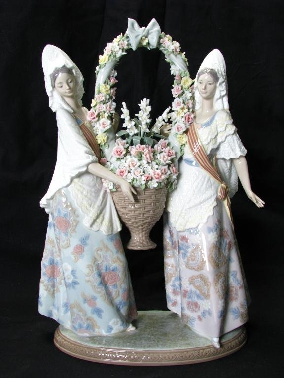 """672: Lladro 1490, """"Floral Offering"""", Limited Edition 32"""