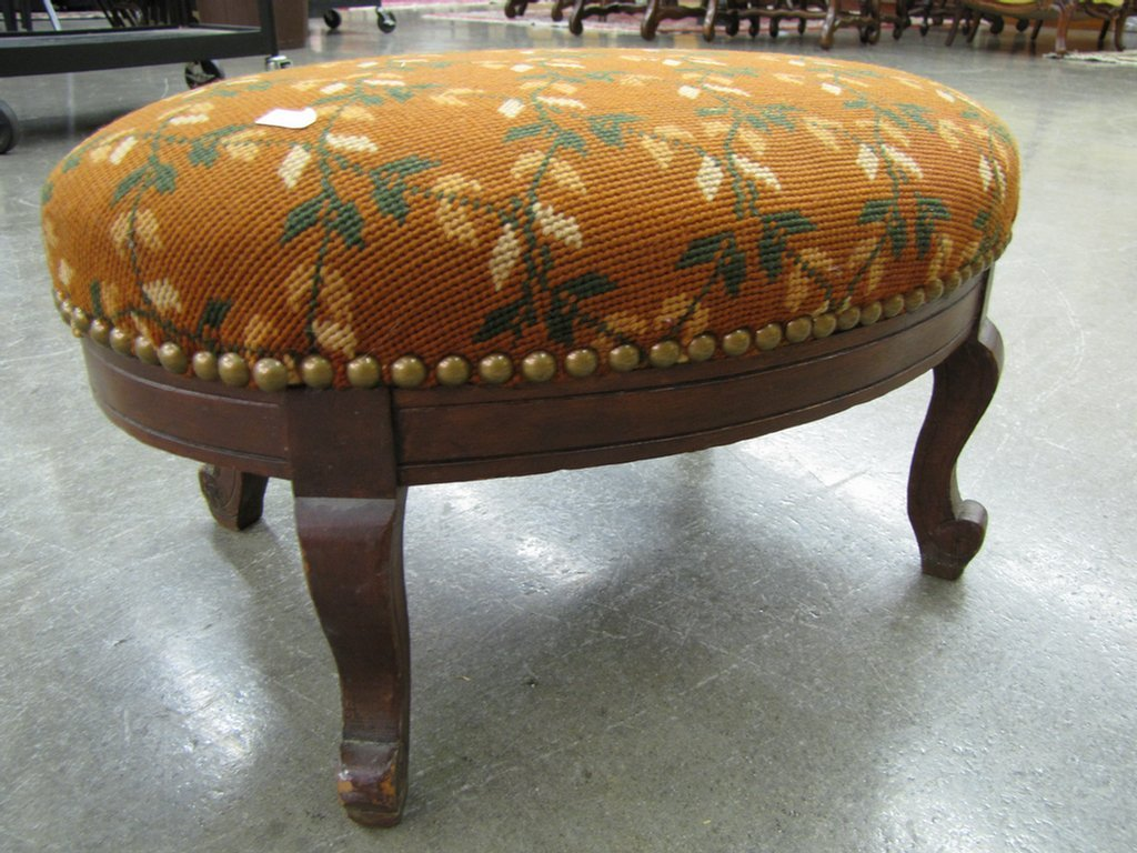 828: Antique and Vintage Footstools - 2