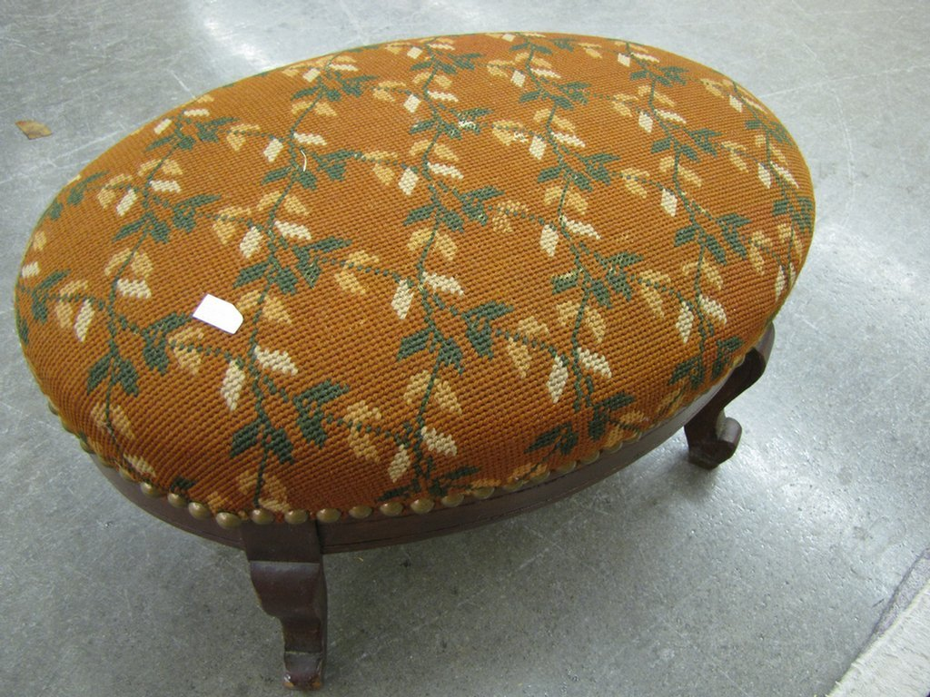 828: Antique and Vintage Footstools - 3