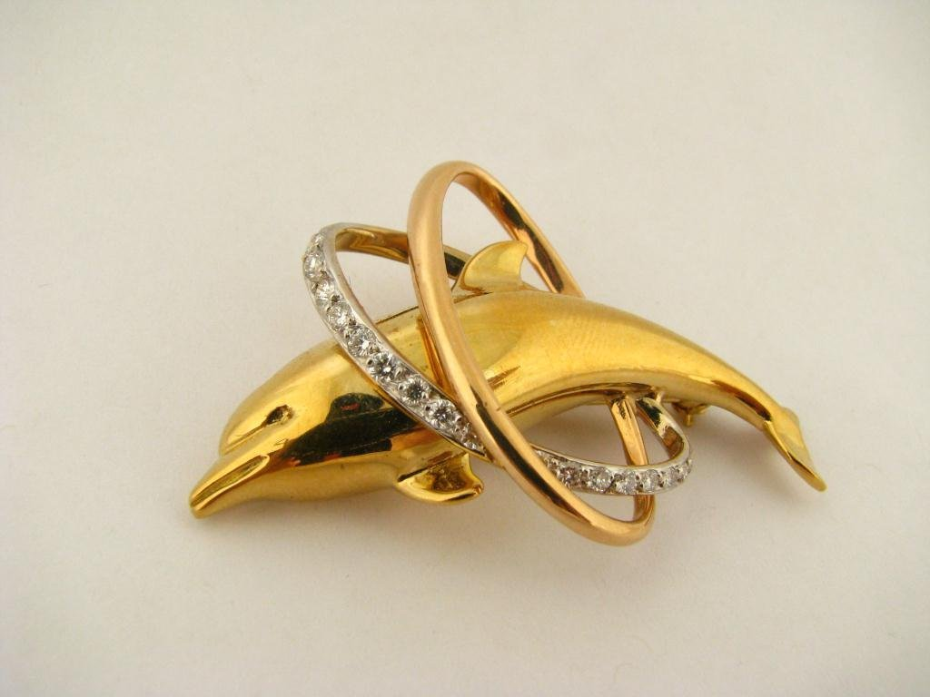506: 18K Yellow Gold and Diamond Dolphin Pin