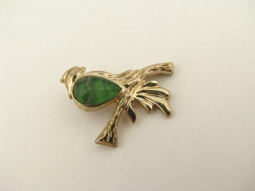 508: 14K White Gold Bird Pendant, Green Stone