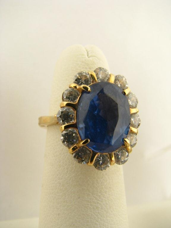 518: 18K Yellow Gold Sapphire and Diamond Ring